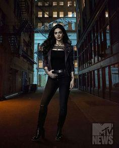 Isabelle Lightwood season 2 promo pic