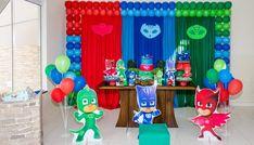 decoração de festa pj masks Festa PJ Masks: São 50 artigos de festa para se inspirar, confira modelos e ideias!   #pjmasks #festa #festainfantil Boy Birthday Parties, 3rd Birthday, Festa Pj Masks, Boy Decor, Mask Party, First Birthdays, Toddler Boy Birthday, Birthday Party Invitations, Spider Man Party