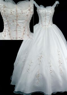 No doubt I would look like a blimp in this but I think it's simply lovely. I mix of Cinderella and Belle.
