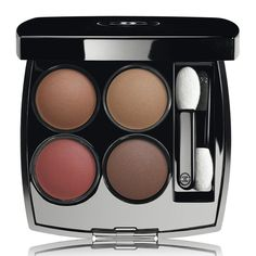 A palette of four eyeshadows that features the most advanced innovation to enhance creativity. Its optimised formula unites softness and easy application to express maximum colour: consistent,...