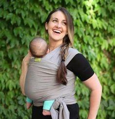 Llévate a tu bebe donde quieras y como quieras con este increíble fular portabebes. Disponible en diferentes colores y fabricado en textura suave.