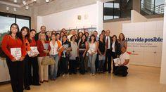 """Todo nuestro hermoso equipo en la apertura de nuestra exposición fotográfica """"Una vida posible"""", Junio 2010... Haciendo #masvidasposibles..."""