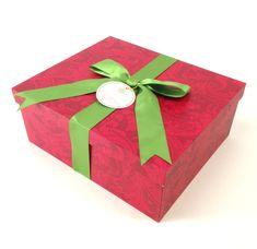 Final Holiday Traditions Card Kit Giveaway - Anna Griffin Holiday Cards, Christmas Cards, Christmas 2014, Christmas Ideas, Green Box, Anna Griffin Cards, Card Making Kits, Paper Crafts, Diy Crafts