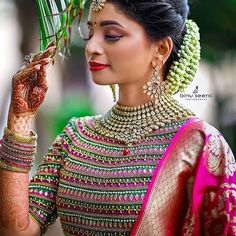 Blouse Designs High Neck, New Blouse Designs, Wedding Saree Blouse Designs, Beautiful Saree, Fashion Outfits, Blouses, Sari, Design Styles, Straight Hairstyles