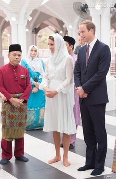 Kate Middleton et le Prince William à la mosquée Assyakirin, le 14 septembre 2012.