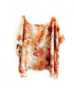 MODELO = caftan forma ampla e elegante.  TECIDO = palha de seda, ligeiramente transparente, excelente caimento.