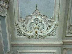 detail stuc Louis XVI  http://the-essence-of-frenchness.blogspot.fr/