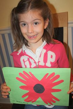 Remembrance Day craft for preschoolers and kids. Easy to make at and creations Ideas Cute Kids Crafts, Holiday Crafts For Kids, Daycare Crafts, Preschool Crafts, Fall Crafts, Kids Christmas, Remembrance Day Activities, Remembrance Day Art, Autumn Activities For Kids