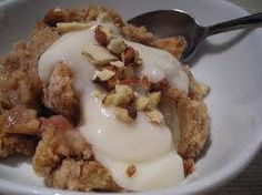 It's National Eat a Red Apple Day, make sure you celebrate with this Paleo Apple Crisp! Trim Healthy Recipes, Trim Healthy Momma, Low Carb Recipes, Snack Recipes, Snacks, Low Carb Desserts, Healthy Desserts, Delicious Desserts, Yummy Food