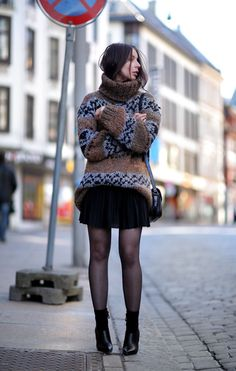 NEED this sweater!  - http://aportablepackage.blogspot.no/2013/04/embracing-cold.html