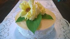 Joghurt Elderflower Cake