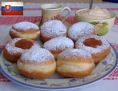 Gogosi pufoase Romanian Food, Romanian Recipes, Home Baking, Sweet And Salty, Something Sweet, Cake Cookies, Baked Goods, Delish, Dessert Recipes