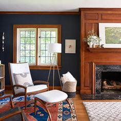 House Tour: Original Woodwork, Moody Walls & A Gasp-Worthy Wallpaper - Emily Henderson - Home and Design Craftsman Living Rooms, Craftsman Interior, Modern Craftsman, Craftsman Decor, Craftsman Houses, Craftsman Style Interiors, My Living Room, Living Room Decor, Living Spaces