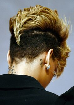 Back Of Rihannas Fohawk - Rihanna's Short Haircuts: Best Styles Over the Years