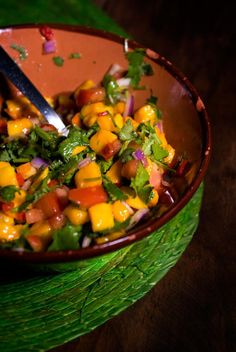 #Mango and #Habanero Salsa: Perfect for Chips or With Fish | #cincodemayo #salsa #spicy