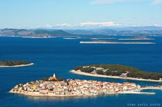 Let taxiwagon.com take you there: Primosten,Croatia