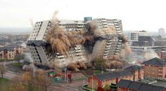 Destruction of the Glencairn Tower in Motherwell (near Glasgow) / Photograph by Sam Hardie Wilderness Survival, Survival Tips, Survival Skills, World Trade Center, Water Flood, Doomsday Prepping, Tower Block, High Rise Building, Amazing Buildings