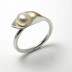 Calla Lily Ring