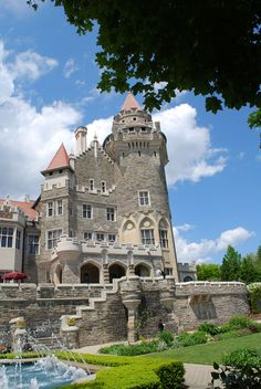Casa Loma (Spanish for Hill House) is a Gothic Revival style house in midtown Toronto, Ontario, Canada, that is now a museum and landmark.-Royalty free stock photos. All pictures are free for commercial and personal use. www.http://publicdomainpictures.net