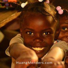 Hello from Haiti. #haiti #hatian #hope #kindnessmatters #savethechildren #rak #HuangMenders #bigideas #bigpeople #bigchanges #allshapesandsizes To see insider views and behind-the-scenes follow us on Instagram: http://bit.ly/HMPInsta Facebook: http://bit.ly/HMPFB Wordpress: http://bit.ly/HMWPress