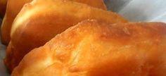 Irene se vetkoek Hierdie resep lewer so 16 vetkoeke of 1 brood en is n baie lekker deeg. Bestanddele: kg koekmeel (gesif), anchor kits suurdeeg, 10 ml sout, 10 ml suiker, 3 koppies lou… Great Recipes, Snack Recipes, Cooking Recipes, Favorite Recipes, Snacks, Veg Recipes, South African Dishes, South African Recipes, Africa Recipes