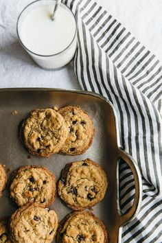 The best chocolate chip cookies. All clean eating ingredients are used for this healthy cookie recipe. Make a batch of these paleo cookies next time you want a healthy dessert. Paleo Sweets, Paleo Dessert, Gluten Free Desserts, Vegan Desserts, Dessert Recipes, Vegan Recipes, Potluck Recipes, Gourmet Cookies, Paleo Cookies