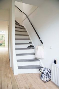 Flur Design, Painted Wood Floors, House Stairs, Scandinavian Modern, House Painting, Stairways, Home Renovation, Interior Inspiration, Woodworking Plans