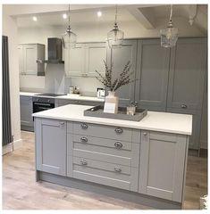 Grey Kitchen Designs, Kitchen Room Design, Modern Kitchen Design, Home Decor Kitchen, Interior Design Kitchen, Grey Home Decor, Kitchen Ideas, Kitchen Furniture, Modern Shaker Kitchen