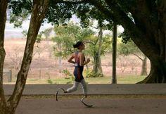 """Após perder parte das pernas, mulher descobre novo caminho: """"O esporte é uma lição de vida"""" - http://anoticiadodia.com/apos-perder-parte-das-pernas-mulher-descobre-novo-caminho-o-esporte-e-uma-licao-de-vida/"""