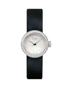Dior Horlogerie Montre Mini D de Dior http://www.vogue.fr/joaillerie/shopping/diaporama/montres-ultra-fines-cartier-chanel-bulgari-chaumet-tiffany/10963/image/652458#dior-horlogerie-montre-mini-d-de-dior