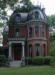 old victorian homes are so nice