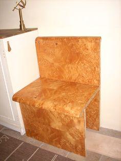 Bank zum Schuhe anziehen Floor Chair, Flooring, Projects, Furniture, Home Decor, Dressing Up, Log Projects, Blue Prints, Decoration Home