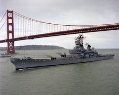 """USS Missouri (""""Mighty Mo"""" or """"Big Mo"""") is a United States Navy Iowa-class battleship, and was the fourth ship of the U. Naval History, Military History, Military Photos, Uss Iowa, Us Battleships, Capital Ship, Us Navy Ships, Aircraft Carrier, Water Crafts"""