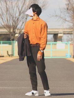 閲覧ありがとうございます! 本日のポイントはシャツインですね。 オレンジのシャツでビンテージ感をだし
