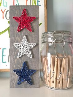 This super adorable mini stacked trio of stars is the perfect patriotic punch to your summer decor. This listing is for a string art mini star trio sign measuring approximately Fourth Of July Crafts For Kids, Fourth Of July Decor, 4th Of July Decorations, July 4th, String Art Diy, String Crafts, Summer Crafts, Holiday Crafts, String Art Patterns