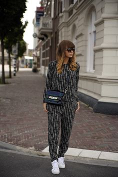 Wefashion WE suit graphic black and white ps11 proenza schouler adidas superstar prada sunglasses streetstyle fashion zen Fashionzen blogger