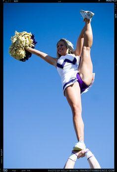 Sexy Ass Cheerleaders Doing High Kicks Upskirt 40 Cheerleader Images, College Cheerleading, Cheerleading Pictures, Gymnastics Pictures, Cheerleading Outfits, Hot Cheerleaders, Cheer Pictures, Gymnastics Girls, Dance Senior Pictures