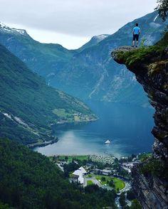 Фотографии из Норвегии и Греции удивили больше всех.