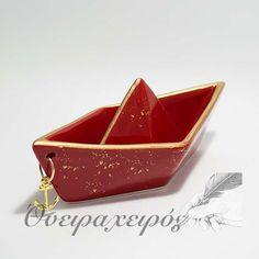 Κεραμικό Καράβι με χρυσή πατίνα και άγκυρα σε κόκκινο χρώμα