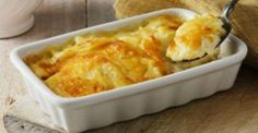 Meet your new favorite cheese potatoes, the Cheddar Cheesy Potatoes Au Gratin! The evaporated milk and sharp cheddar make Cheddar Cheesy Potatoes Au Gratin extra-deluxe creamy. Potato Gratin Recipe, Cheesy Potato Casserole, Potatoes Au Gratin, Cheesy Potatoes, Potato Recipes, Squash Casserole, Kraft Foods, Kraft Recipes, Bechamel