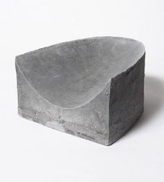 concrete seating by roni horn Concrete Furniture, Concrete Art, Concrete Design, Urban Furniture, Garden Furniture, Furniture Design, Polished Concrete, Concrete Walls, Beton Design