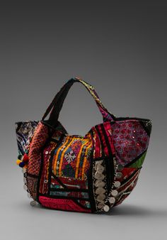 Gypsy 05 Banjara Hobo Bag in Black Style Victoria Beckham, Mundo Hippie, Ethnic Bag, Bags Online Shopping, Carpet Bag, Boho Bags, Mk Bags, Fabric Bags, Beautiful Bags
