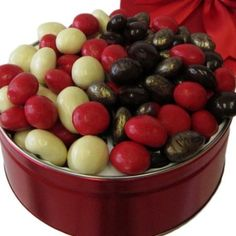 Savor delicious combinations of premium cherries enrobed in rich milk and dark chocolate. A traditional dessert confection with free Montreal gift delivery! Chocolate Covered Fruit, Chocolate Cherry, Fruit Gifts, Tin Gifts, Almonds, Cherries, Hearts, Sweets, Queen
