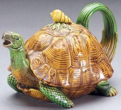 Tortoise Teapot. I love teapots and this is one of the cutest I've seen.
