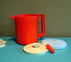 Vintage Tupperware, Tupperware juice container, Plastic juice jug, short tupperware jug at Designs by Willowcreek on Etsy Vintage Tupperware, French Country Cottage, Vintage Kitchen, Juice, Group, Board, Happy, Etsy, Design