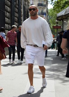Sneakers Outfit Men, Chunky Sneakers, Androgynous, Uniqlo, Spring Outfits, Menswear, Normcore, Mens Fashion, Shorts