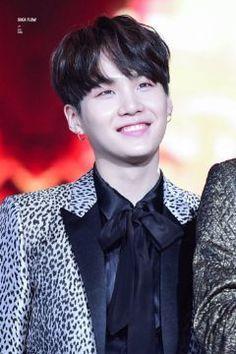 Como la ℬella y la ℬestia. [YoonMin] - ❀✿05: Los buenos príncipes van a la escuela.✿❀ - Wattpad