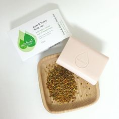 This little beauty #mudandhoneybodybar is ideal for oily skin. The natural mud acts to extract unwanted oiliness and cleanse skin while the Manuka honey protects and heals. #skinfoodnz