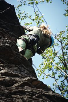 Climbing #girl #dreadlocks #rock #climbing #view