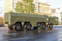 9P78-1 TEL para el sistema Iskander M en el ensayo para el Desfile de la Victoria 2014 en Moscú. Transporte, alzamiento y lanzador de misiles de crucero R-500-M. (2)